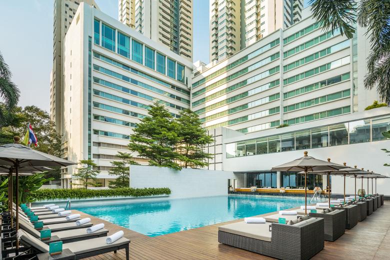 Metropolitan Bangkok - Hotel -  metbkk  pool  day time.jpg