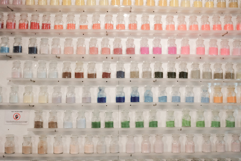 Paint pigment powder
