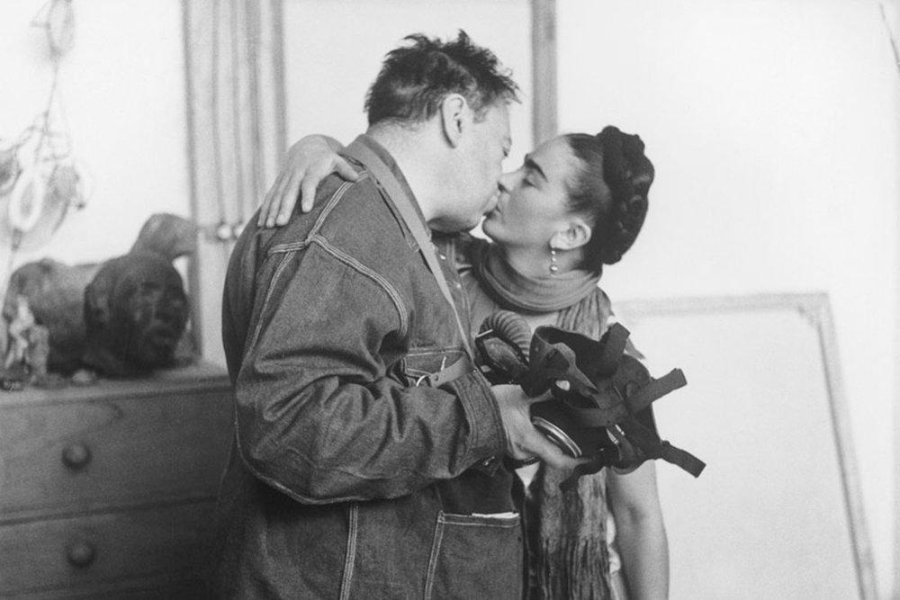 Frida-Kahlo-and-Diego-Rivera-by-Nickolas-Muray-1939-via-theredlist.com_.jpg