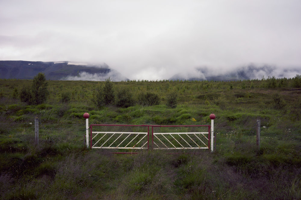 gates aligned
