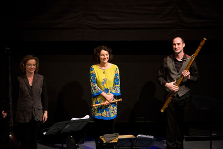 Elizabeth-Kenny-Pamela-Thorby-and-Peter-Whelan-in-concert.jpg