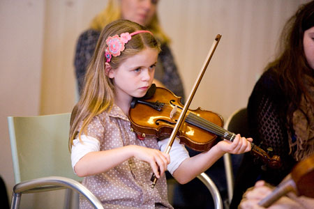 Performing-at-the-violin-workshop-in-the-Model-Sligo.jpg