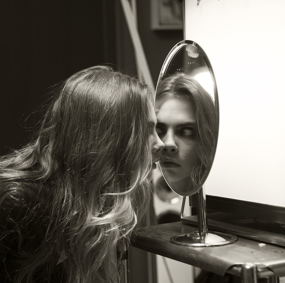 p104 Cara with mirror.jpg