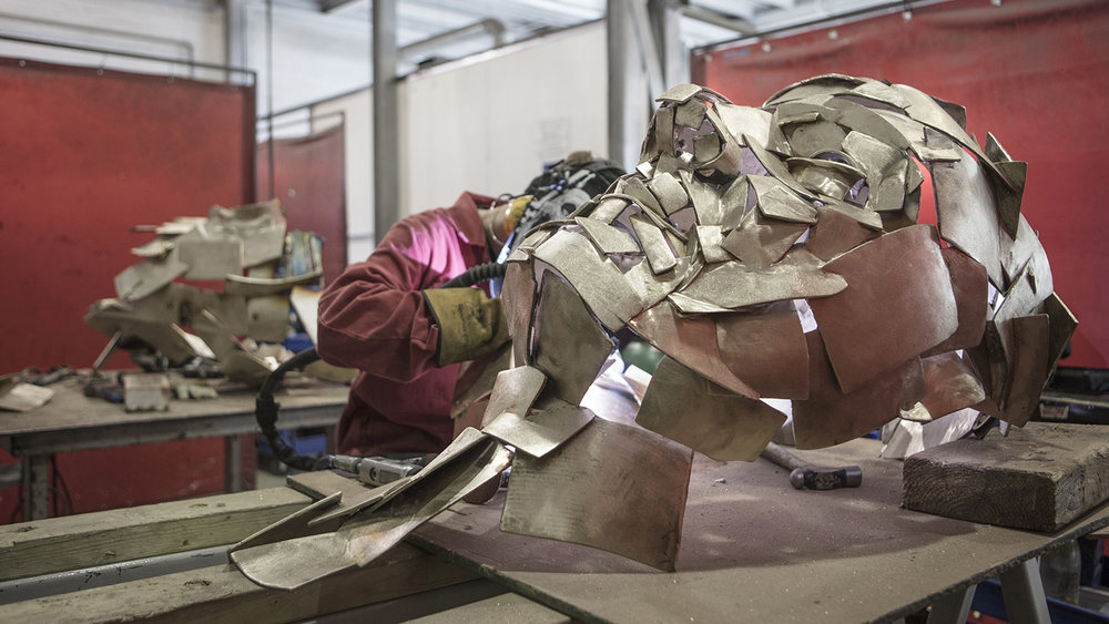 Jonathan Yeo sculpture assembly.jpg