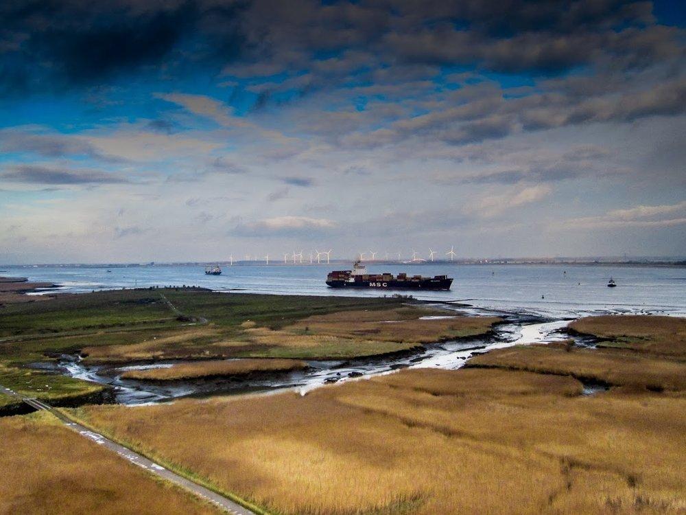 123 km - SAEFTINGHE - GROEPEN < > 15'Ons begraven ze niet in de polder, ze begraven de polder in ons.' aldus Pietje De Leugenaar in 'Terug naar Oosterdonk'.