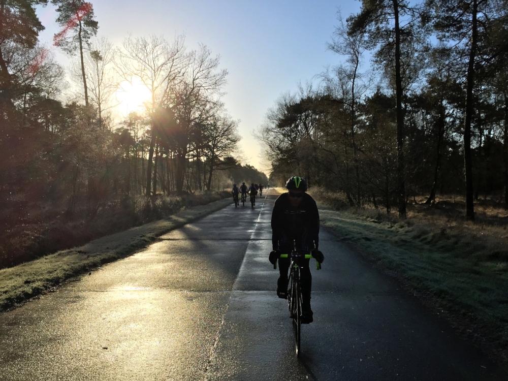 110 km - NOORDERKEMPEN - GROEPEN < > 15Langs het land van eirpels, eirbismen, veirken, peirt en kremglas. At mo ni rengert.