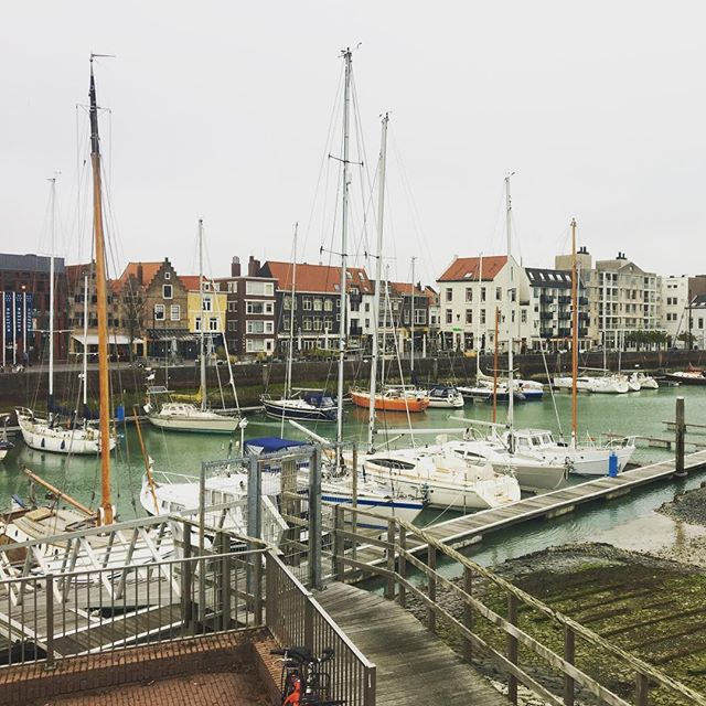 This year, I'm visiting Zeeland for Christmas with @inpixelitrust and @geoffreycrofte and it's really great! Today, we started the day by visiting Vlissingen and the Arsenal! . . . #zeeland #vlissingen #arsenal #zee #sea #cloudy #boats #port #holidays #christmas