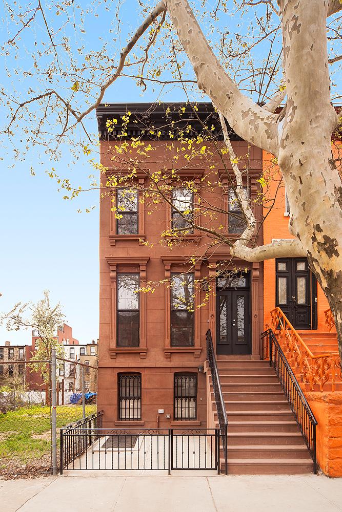 150430_XS_706HancockStreet_TH_facade.jpg