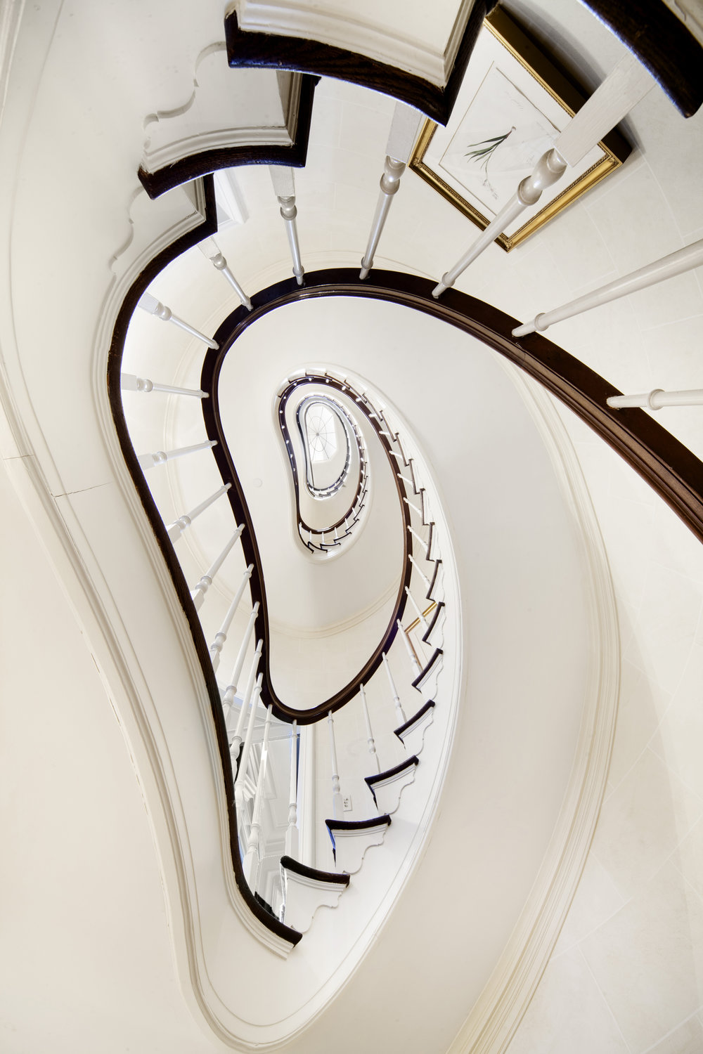 14SuttonSquare_stairway1A.jpg