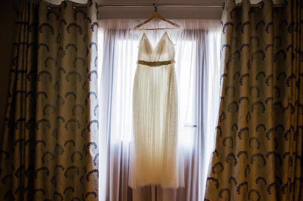 sussex wedding photographer, barn wedding, long furlong