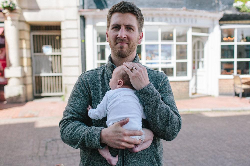 outside newborn photography, lifestyle family, horsham