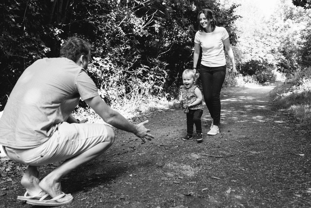 black and white outdoor photography, horsham family photographer