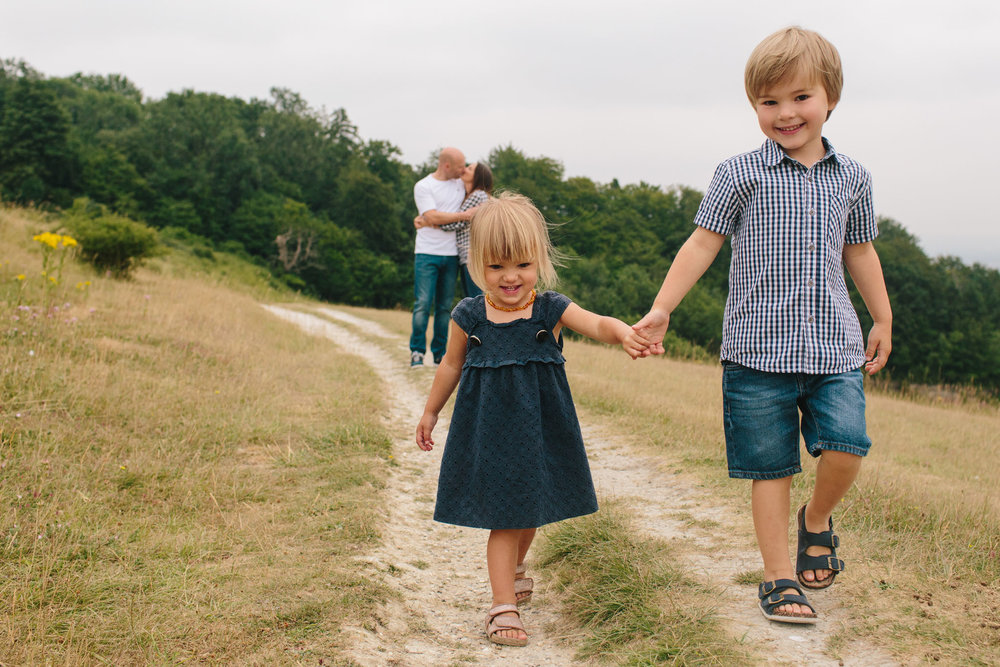 natural outdoor family photography, redhill, reigate, leatherhead, surrey