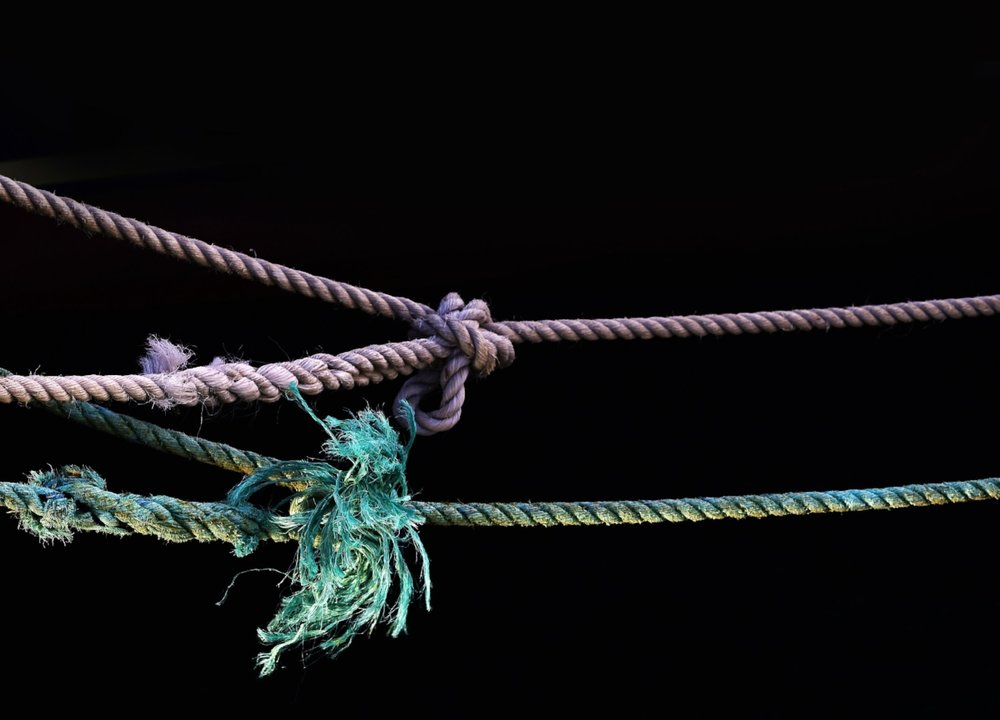 Ropes with knots in them