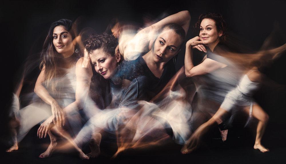 WareHouse Collective ry - Olen mukana WareHouse Collective ry:n toiminnassa. Yhdistyksestä löytyy huippuosaamista monista tanssilajeista, teatterin ja tv:n puolelta kokemusta tanssijana, koreografina ja ohjaajana työskentelystä, kansainvälisistä produktioista, tilaisuuksien ja esityskokonaisuuksien tuottamisesta, tanssin ja näyttämöliikunnan opettamisesta sekä kunnianhimoisesta tanssin hyödyntämisestä mitä erilaisimmissa yhteyksissä.WareHouse Collective yhdistää ryhmän jäsenten osaamisen yhä paremman laadun ja sujuvamman tanssin tuottamisen tavoittelemiseksi ja tarjoaa kokemuksella luovaa ja luotettavaa tanssin, taiteen ja viihteen ammattiosaamista.https://warehousecollectivery.comkuva: Kai Kuusisto