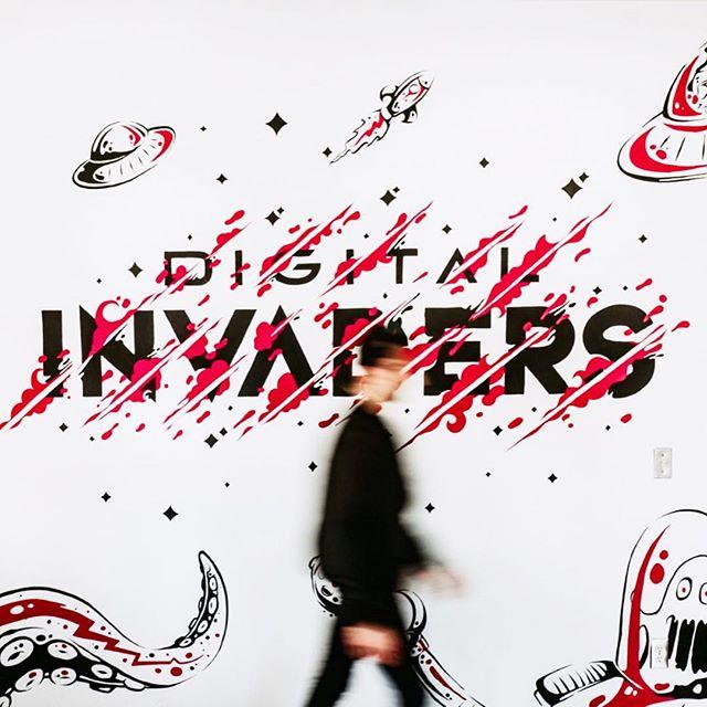 DIGITAL INVADERS @leorojas_r 🤘🏼👽🛸 . . . #mural #muralpainting #invaders #digitalinvaders #ilustracion #ilustration #handlettering #handrawntype #handmadefont #typography #type #typeyeah #typematters #typegang #typetopia #TYxCA #letteringdaily #ligaturecollective #50words #designspiration #goodtype #strenghtinletters #thedesigntip #typographists #thedailytype #letteringco #calligritype #artistofinstagram #thedesignfix #kaligraflar