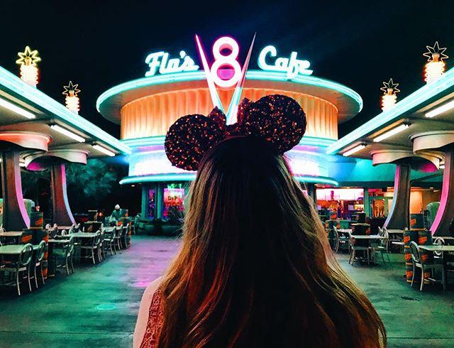 Disneyland was even more magical at nighttime! 😍 #disneyland #california