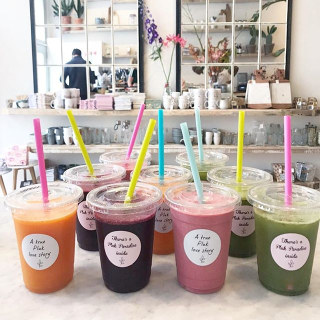 There is a Pluk juice for everyone🌿💥🌿And the colour makes it even more fun🌸🌸🌸So step by, say hi✨And give our Pluk juices a try💥🌿💥#happy #healthy #plukker #plukamsterdam #juice #amsterdam