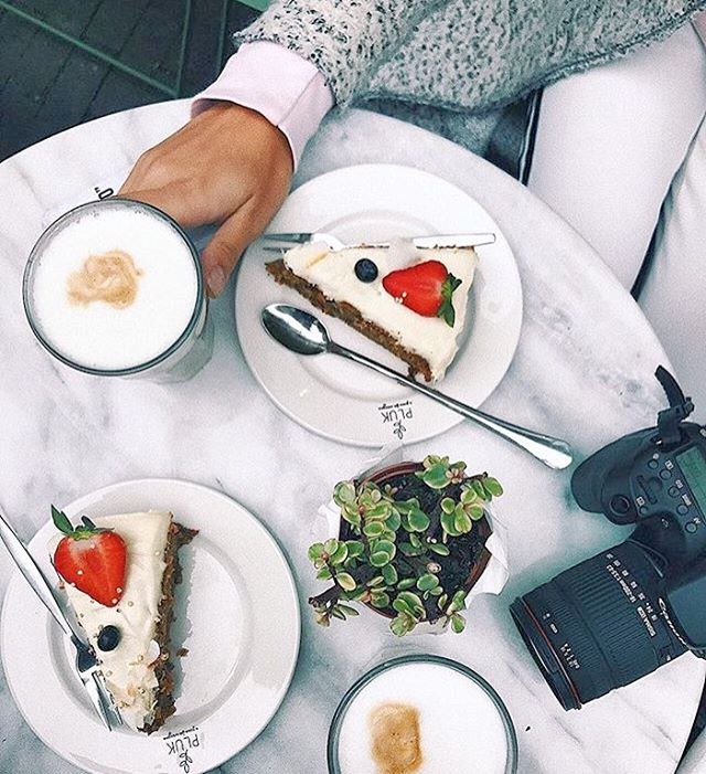 Goodmorning Plukkers🌿🌿Time for some Instalicious breakfast or sweets😍🌿😍See you soon💥💥Thank you for the picture @lauraponzioo 📸#happy #healthy #plukker #plukamsterdam #juice #amsterdam