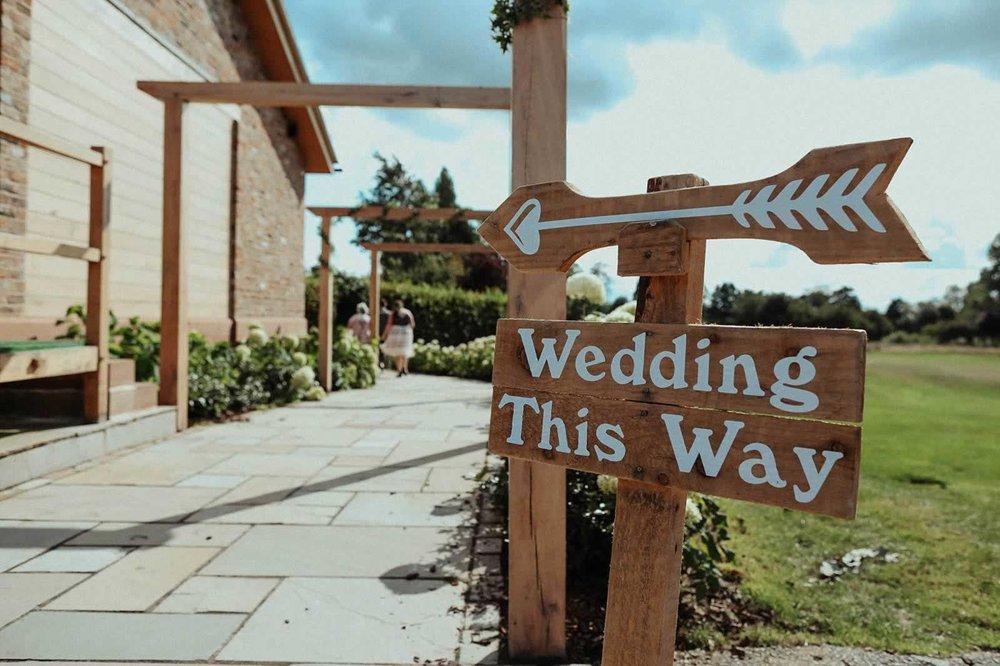 Pryors-Hayes-Wedding-Photography-Barn-Venue-Cheshire-embee-photography-0043.jpg