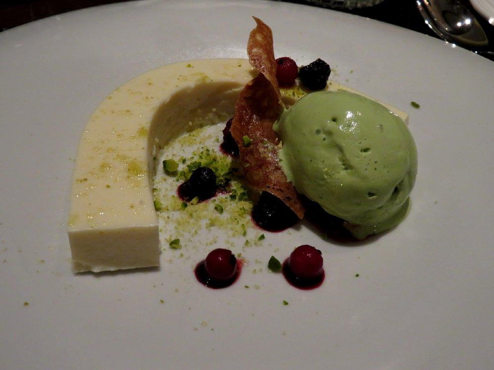 Tofu blancmange with green tea ice cream