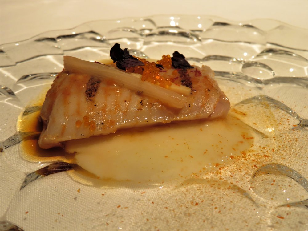 Red skate confit with juice of charcoal-grilled pepper and rhubarb