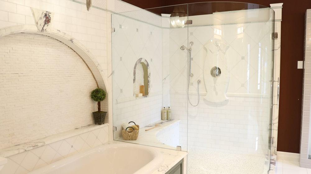 Redmond Showroom Round Shower Enclosure.jpg