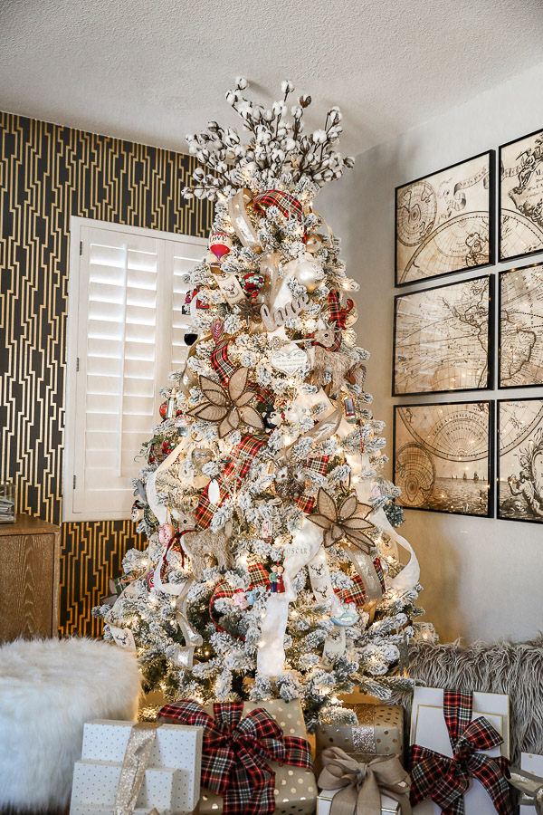 "What's A ""Love Tree""...And Why You'll Want To Bring Our Tradition, Into Your Home, Next Christmas Liveloveblank.com live love blank, Kim Blank Scottsdale Arizona, interior design, Christmas tree, christmas decor, family christmas tradition, Style and lifestyle blogger,"