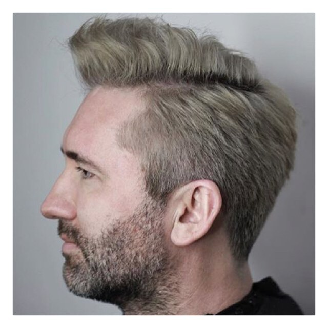 Cut by @darrenjansenhair at our 📍Toronto location _______________________________________________________ To book with Darren call 416-301-1072 . . . . . #menscutting #haironfleek  #barber #hairartist #lorealpro  #mensfashion #instahair #fashionart #streetstyle #myhair  #yeslorealpro#brennendemelostudio