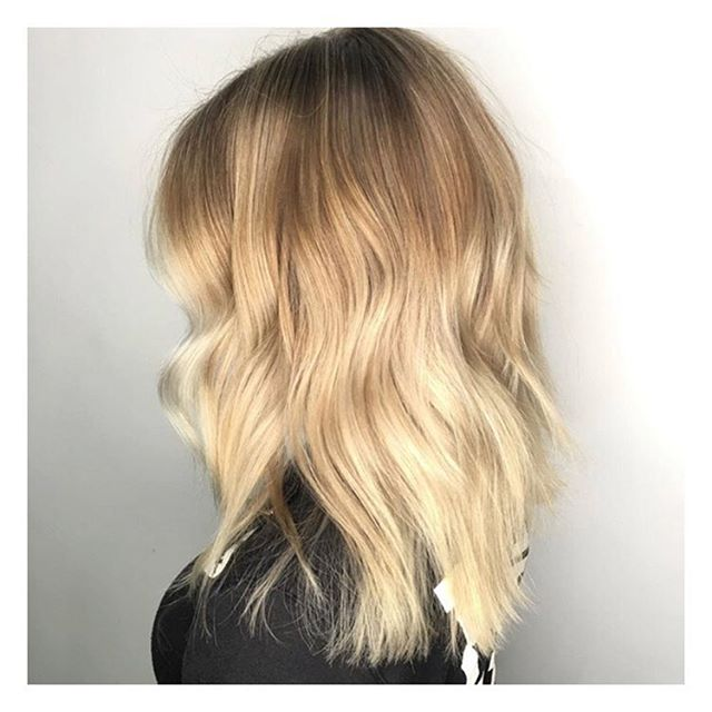 Balayage by @kaylamargarita at our 📍Barrie location  _______________________________________________________ To book with Kayla call 705-503-2006 . . . . . #beauty #style #hair #lorealpro #iamlorealpro #yeslorealpro #hairmoment #glamteam #onlyinsalon #bdbabe #brennendemelostudio