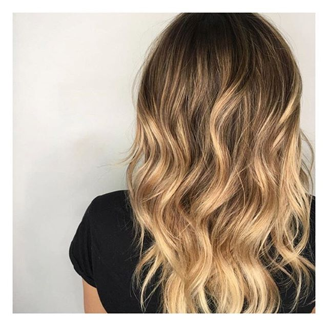 Balayage by @snipitbritt at our 📍Barrie location  _______________________________________________________ To book with Brittany call 705-503-2006 . . . . . #beauty #style #hair #lorealpro #iamlorealpro #yeslorealpro #hairmoment #glamteam #onlyinsalon #bdbabe #brennendemelostudio #barrie