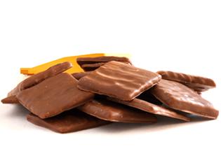 Biscoito de canela com chocolate ao leite