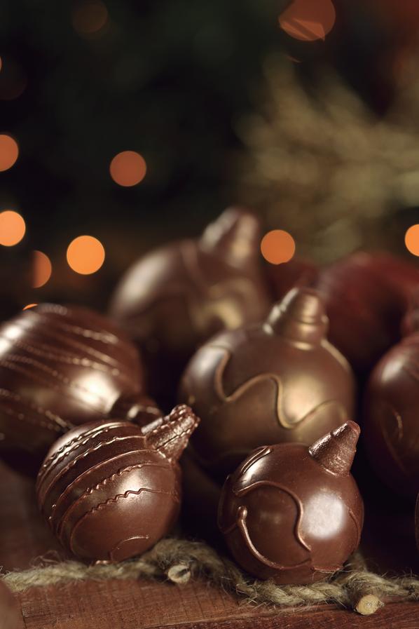 Bolas de Chocolate - R$ 15,00 e R$ 18,00 (s/ açúcar)