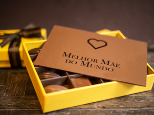 Yellow Box com Placa Personalizada