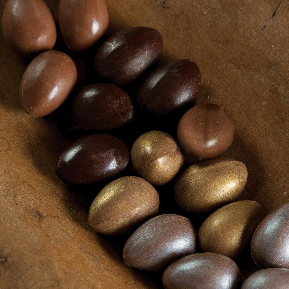 Cx Mini Ovos Recheados - R$ 320,00
