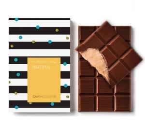 Chocolate amargo com recheio Marzipan artesanal