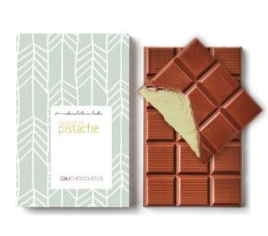 Mais puro chocolate ao leite com recheio de ganache de pistache
