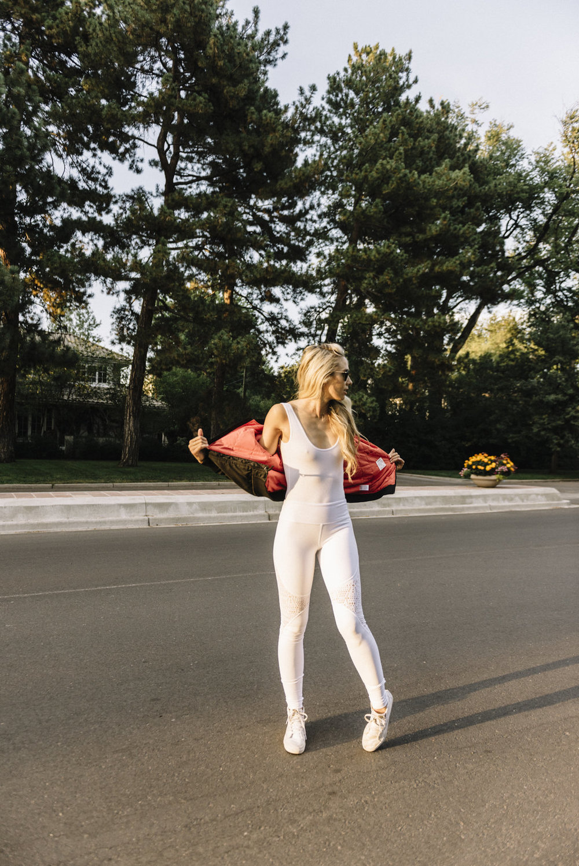 white-yoga-pants-14.jpg
