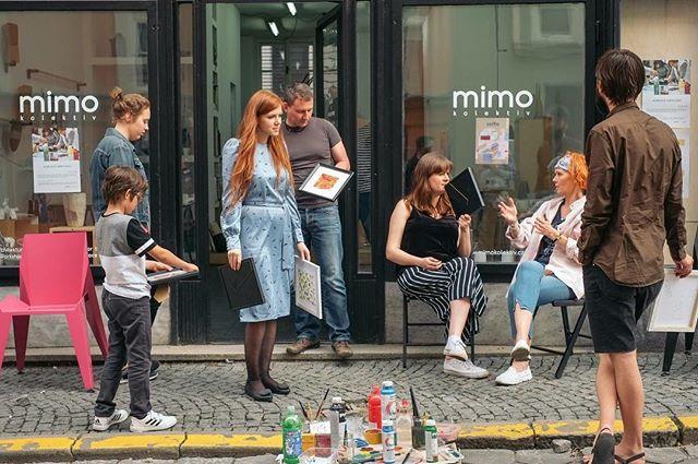 Jedna z naší Ztracené ulice a z jarního workshopu @umenilidem Ten další workshop povedeme my a to přesně za dva týdny ve Zlíně v rámci @zlindesignweek Těšíme se!!! #staytuned #mimokolektiv #ztracena #workshops