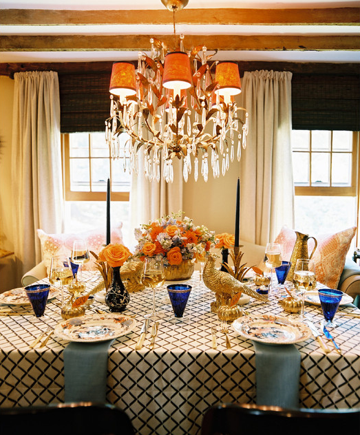 thanksgiving-table-setting-gold-blue-stunning-eddie-ross.png