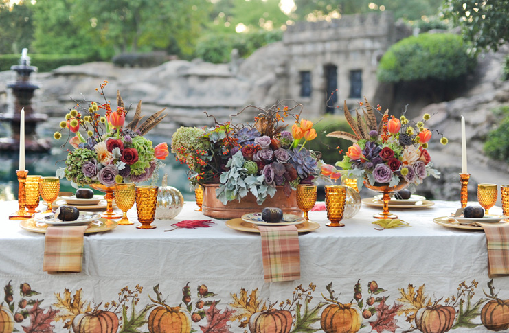 Colorful-Thanksgiving-Entertaining-Vintage-inspired-Tablescapes-.jpg