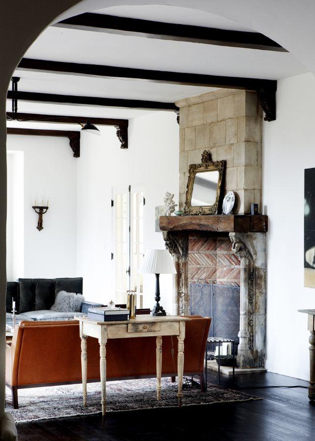 rustic-home-decor-231321-1501637349806-image.640x0c.jpg