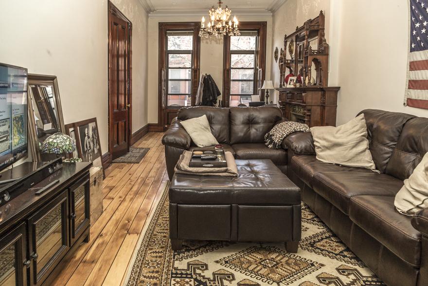 1114-Bloomfield-St-Apt.-2-living-room.jpg