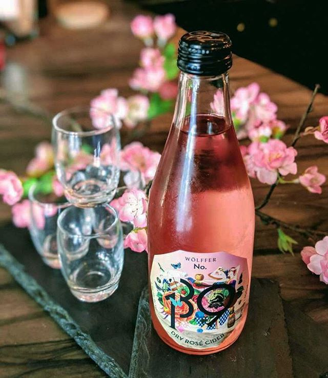 Come try our limited addition soft summer hues of Rosé Cider. New York made, Flatiron drank. 🥂 . . . #mirasushiflatiron❤️ #japanesenyc #wolfferestate #flatironeats #drink #drinks #slurp #instagood #cocktail #cocktails #drinkup #photooftheday