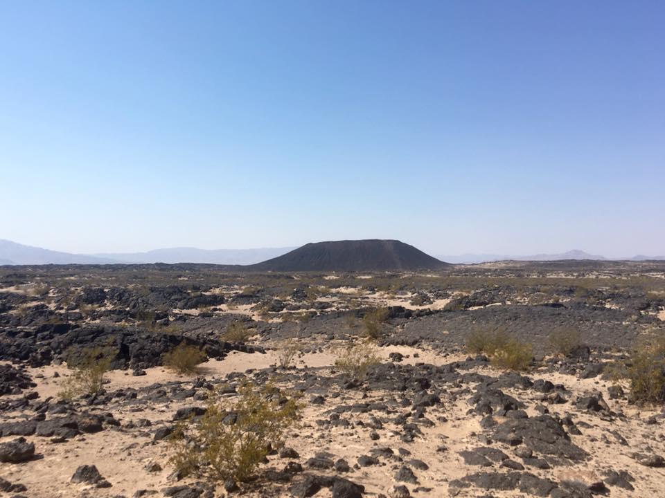 5 - Un cratere. Amboy Crater.