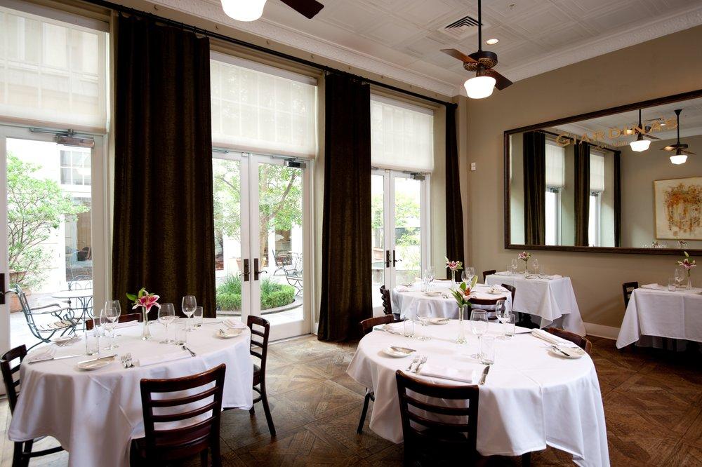 Giardinas dining room.JPG