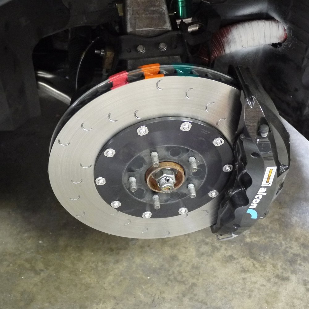 STEP 5 - Make sure the rotor temperature paints are applied to all four brake discs (front left, right, rear left and right).