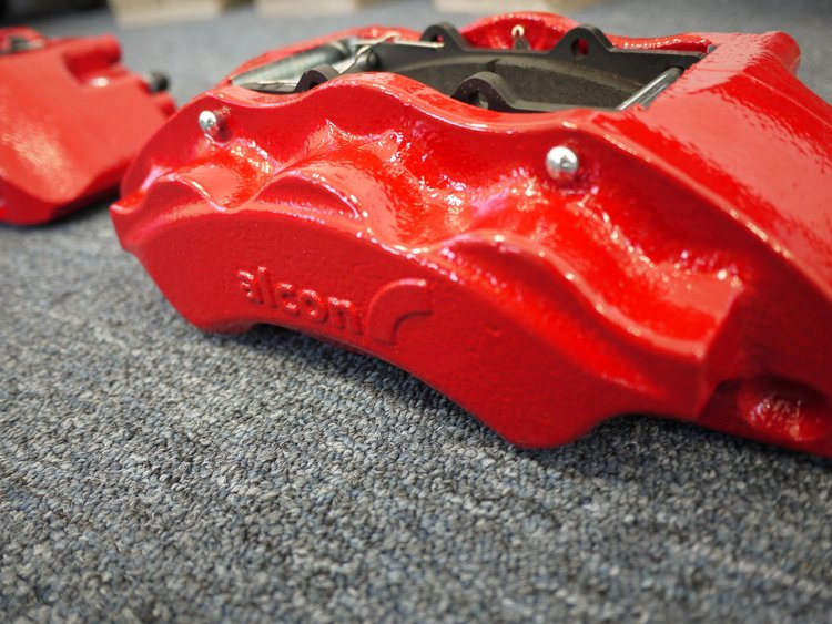 "PEDAL FEEL AND BRAKE PERFORMANCE - Alcon 6 and 4 piston calipers are engineered to offer maximum strength, stiffness, and performance resulting in a 15% pedal effort reduction to achieve the same level of ""stopping power"". This upgrade offers a significant difference in driver confidence on vehicles with a higher center of gravity or a longer pedal stroke."