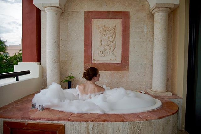 Bubble baths on the balcony are officially my new favorite #mexico #Cancun
