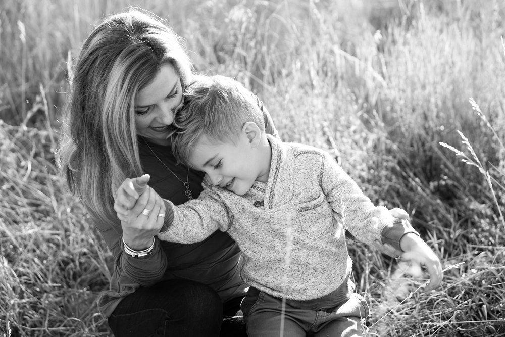 OUTDOOR FAMILY ADVENTURE SESSIONS